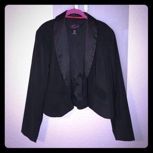 Torrid black cropped tuxedo jacket/blazer sz 18